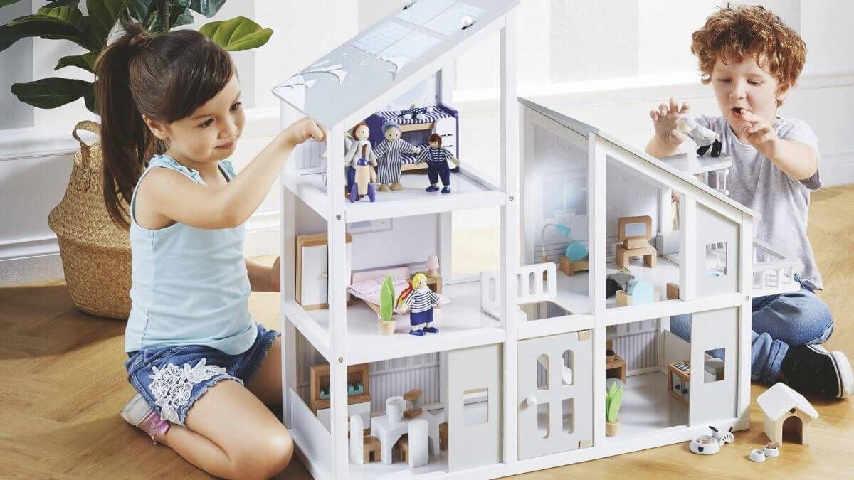 ALDI's Wooden Doll's House