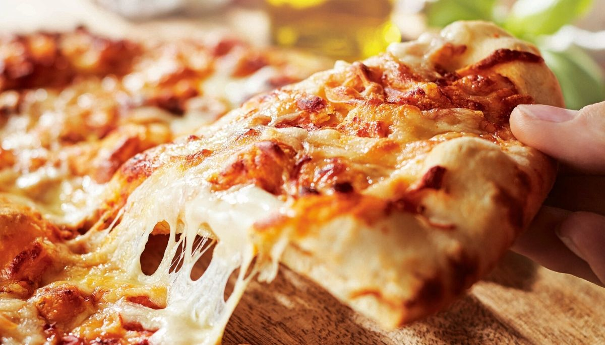 """ALDI's new """"Best Margherita Pizza Ever"""" delivered to your door by Menulog"""