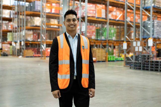 ALDI-employee
