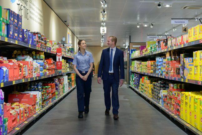 ALDI-store-aisle