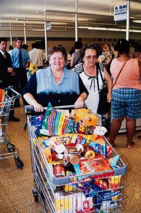 ALDI Bankstown Airport grand opening - January 2001 (2)