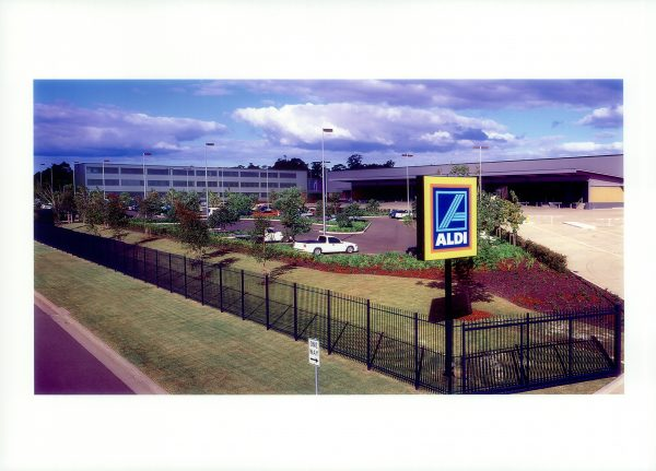 ALDI National office and Minchinbuy distribution centre 2001