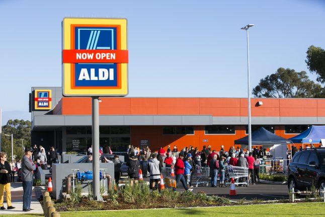 ALDI opens its first store in Western Australia (3) 2016